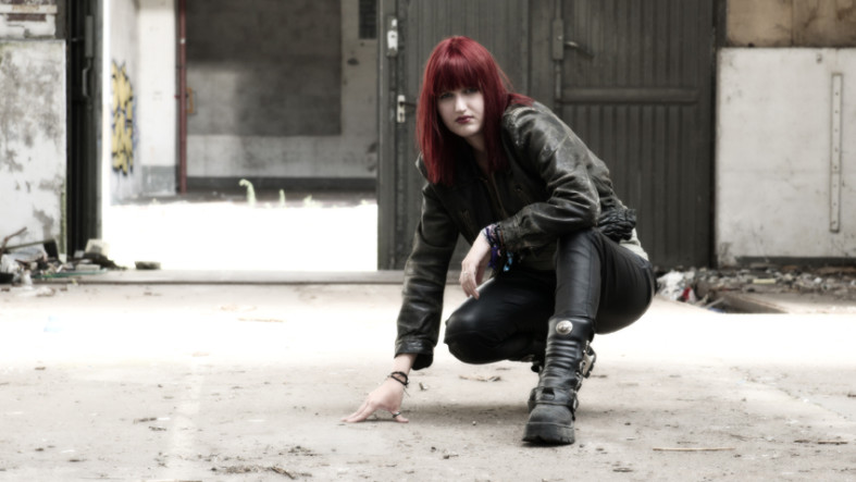 Verboten Fotoshooting mit Kyra fotografiert von Fotostudio Witten - Kristina Bruns