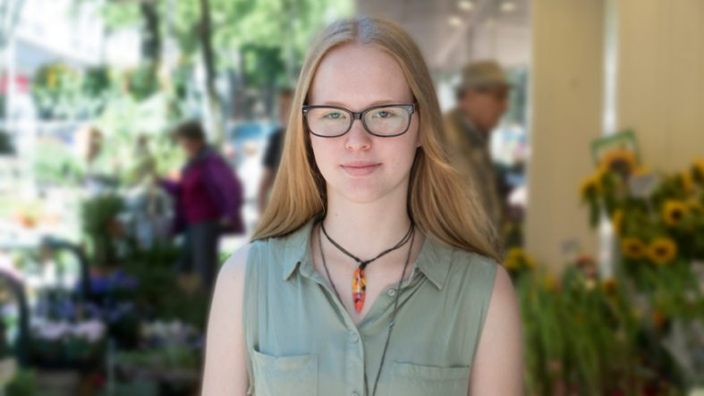Praktikantin Angelina fotografiert von Praktikantin Paulina fürFotostudio Witten - Kristina Bruns